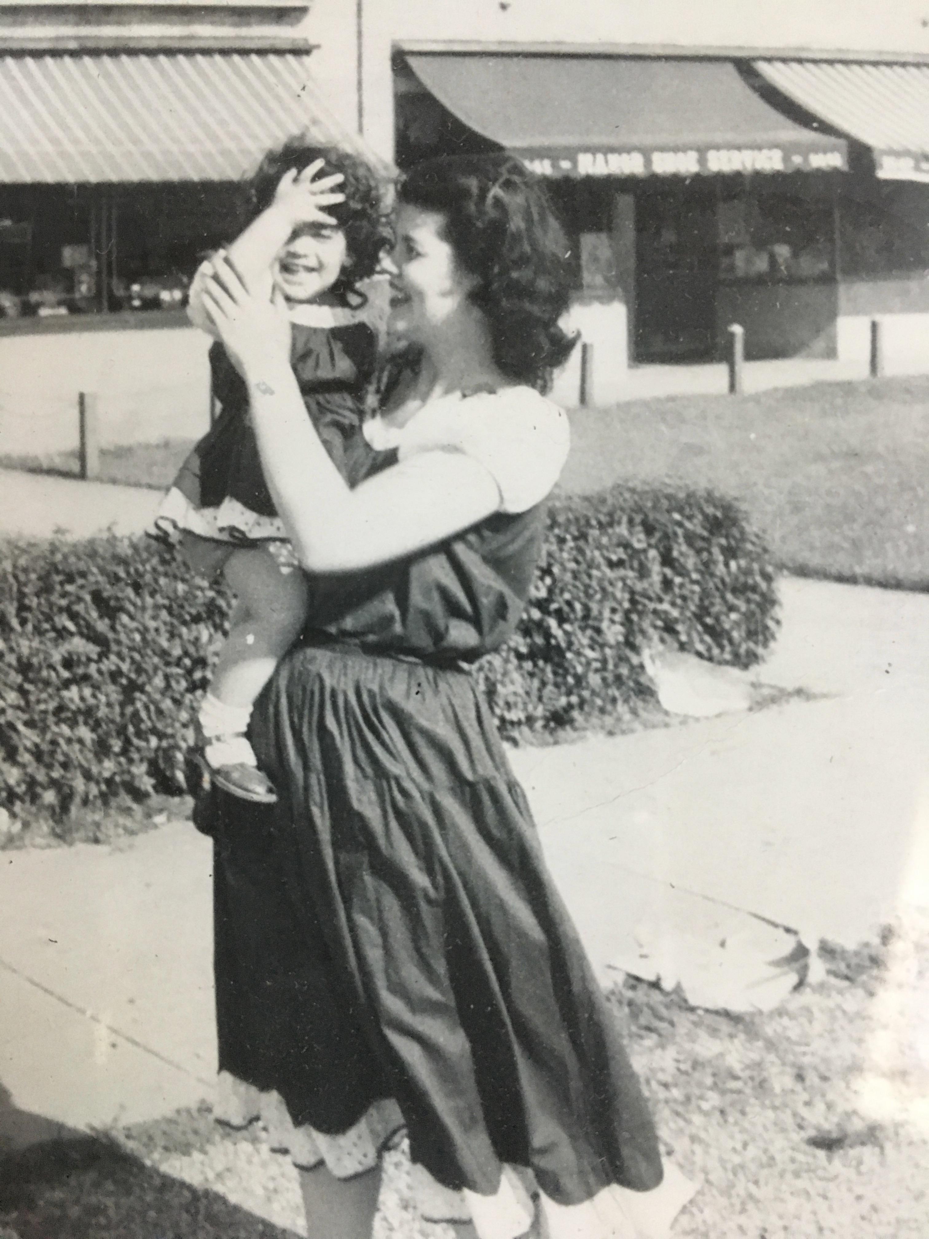 Ellen & Mom (1948)